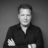 Moderator-Greg_Knieriemen