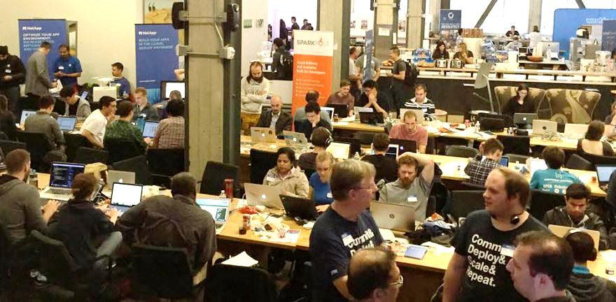HACKING TO WIN: Developing Innovating Applications at the DevWeek16 Hackathon